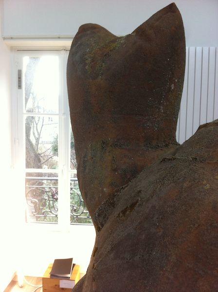 """Ken sortais installation """"Catulliacus """" en collaboration avec Rebekka Deubner Atelier G8, Cité des Arts de Montmartre"""