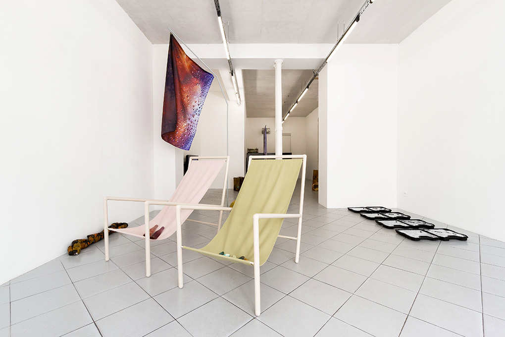 STRADDLE THE LINE BETWEEN FORM AND FUNCTION, galerie Jérôme Pauchant