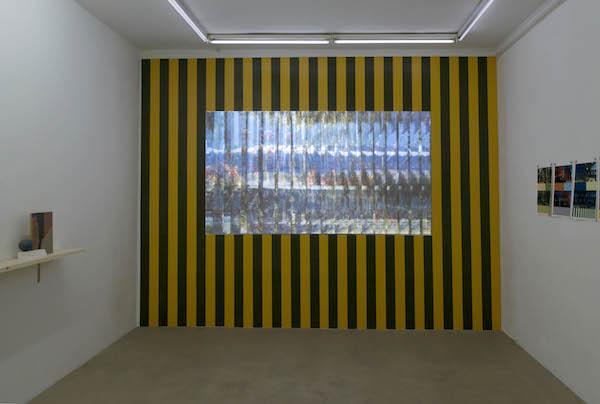 Ludovic Sauvage, Deux déserts, 2013-2015. Installation vidéo. 26'30. Édition de 3 (dont une avec coffret partitions) + 1EA. Courtesy of the artist and Galerie Escougnou-Cetraro