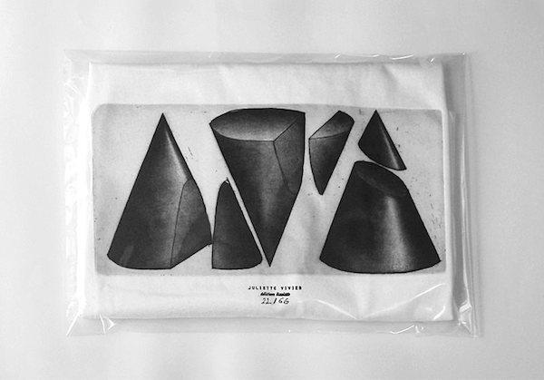Juliette Vivier, Gravure sur cuivre et tampon imprimés T-shirts, 2015 © Juliette Vivier