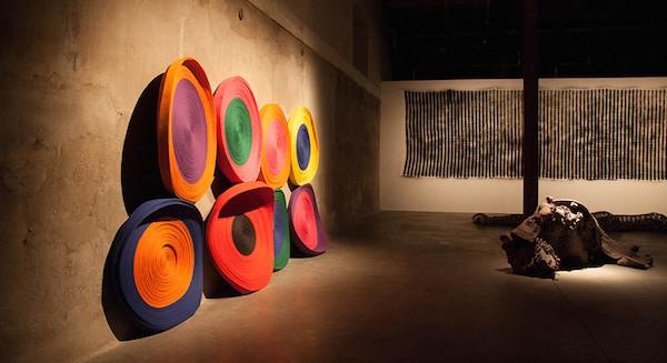 L'adresse vue d'exposition ÉTATS LIMITES festival Temps d'Images, en partenariat avec Arte, séléction officielle, CENTQUATRE - Paris, commissariat José-Manuel Gonsalvès du 19 au 29 septembre 2013