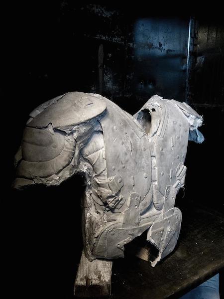 Shoulder pad, 2015. Béton - Matériaux divers Vue de l'exposition Battlefield, Eden, Caroline du nord, USA