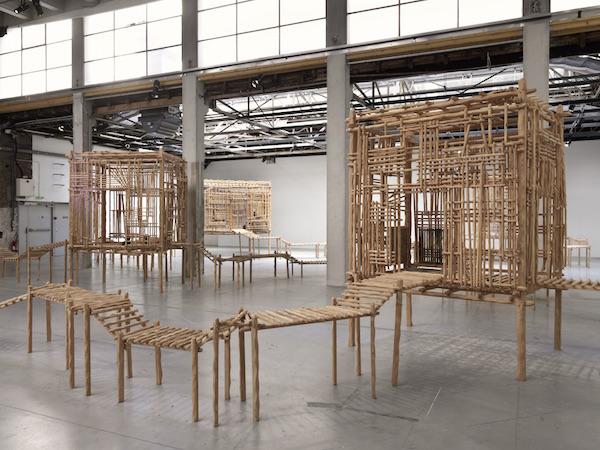 Vue d'exposition, La redite en somme, ne s'amuse pas de sa répétition singulière de Sara Favriau - Galerie Wilson - Palais de Tokyo
