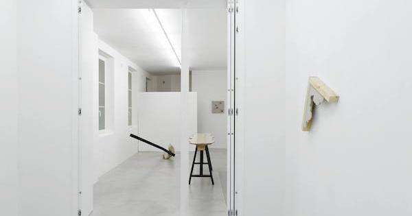 Benjamin Sabatier Vue d'exposition One piece at a time Galerie Bertrand Grimont