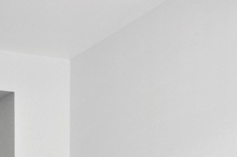 Les ombres calmes, détail, 2014. Peinture, pigments 251x485x266cm. Production La BF15 et Supervues - hôtel Burrhus, Vaison la Romaine
