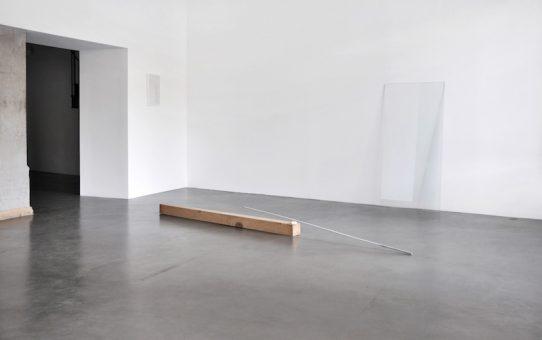 Vue de l'exposition La mesure du doute, La BF15, 2016.