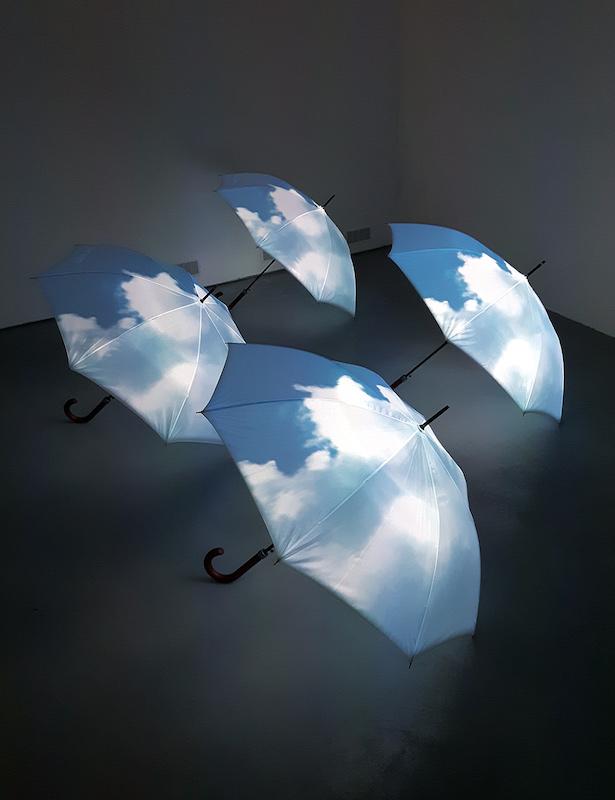 Paraciels, 2009 - Installation vidéo. Dimensions variables ©ADAGP - Nicolas Tourte / Galerie Laure Roynette
