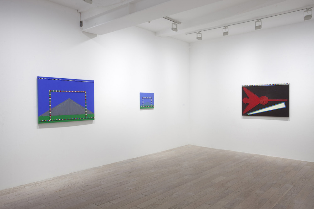 Vue de l'exposition The phoenix and the mountain (1980) and new paintings (2013-2015) de Régina Bogat. Courtesy Galerie Zürcher Paris
