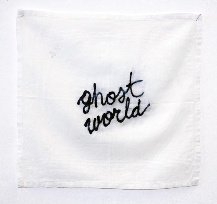 Les pleurs de l'Aube - Ghost World, 2016, broderie sur mouchoir.