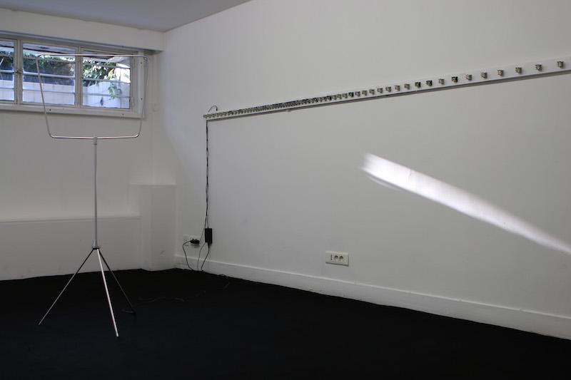 Vue de l'exposition «INFRAMINCE» à la Fondation Hippocrène Paris