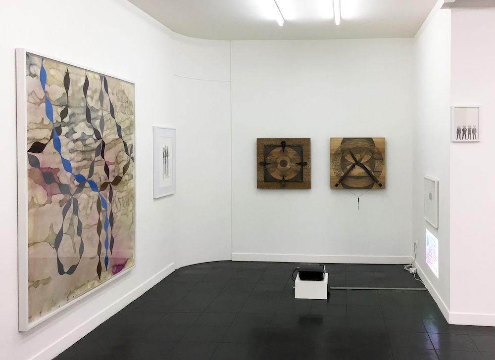 Emilie Satre - Sandra Lorenzi - Celine Marin - Isabelle Levenez - Vue d'exposition Dessins perturbateurs - Galerie Metropolis Paris