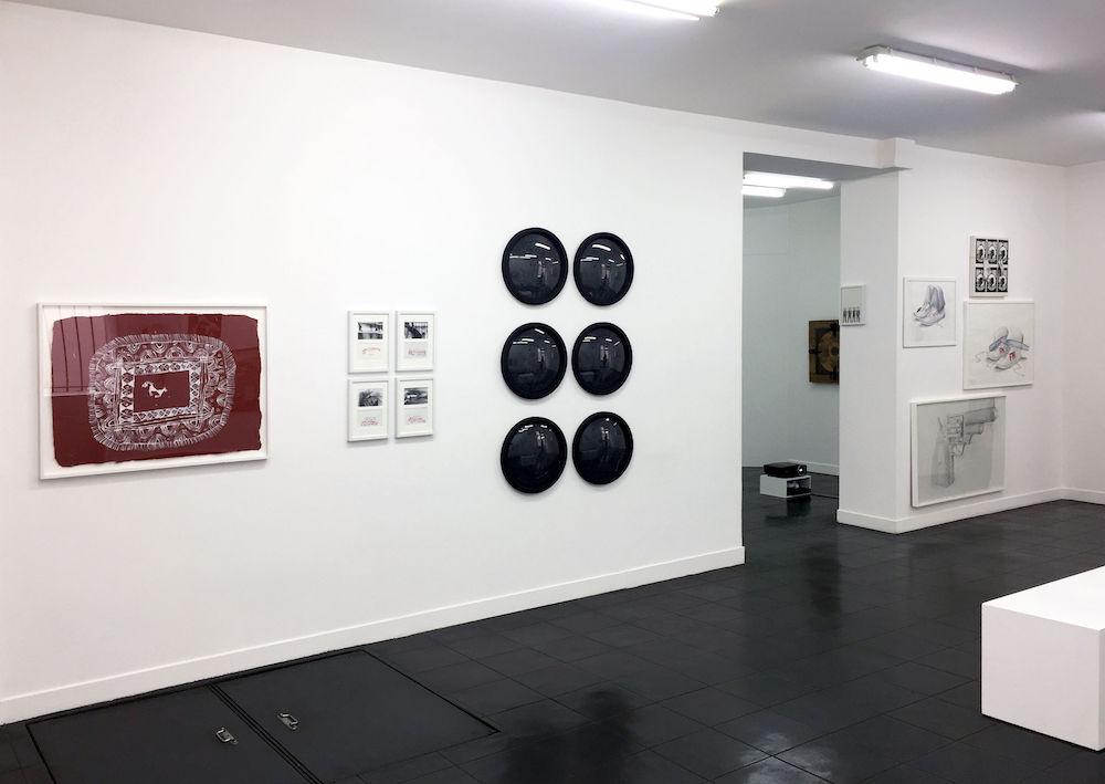 Vue d'exposition Dessins perturbateurs - Galerie Metropolis Paris