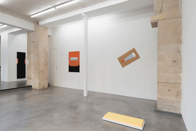 Vue de l'exposition Peinture Sculpture Peinture - Elodie Seguin - Galerie Jocelyn Wolff