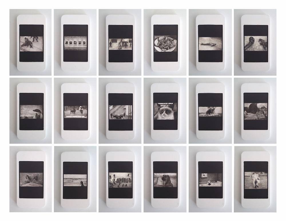 Matthieu Boucherit, J'aime, 2016. Dessins à l'encre sur bois, 10 x 7,5 cm. Courtesy Galerie Valérie Delaunay.