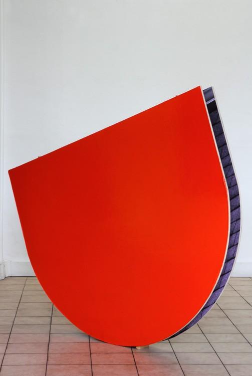 Benoît Géhanne, biais #20, 2014. Bois, peinture acrylique, photographies, 168 x 134 x 25 cm. Courtesy artiste.