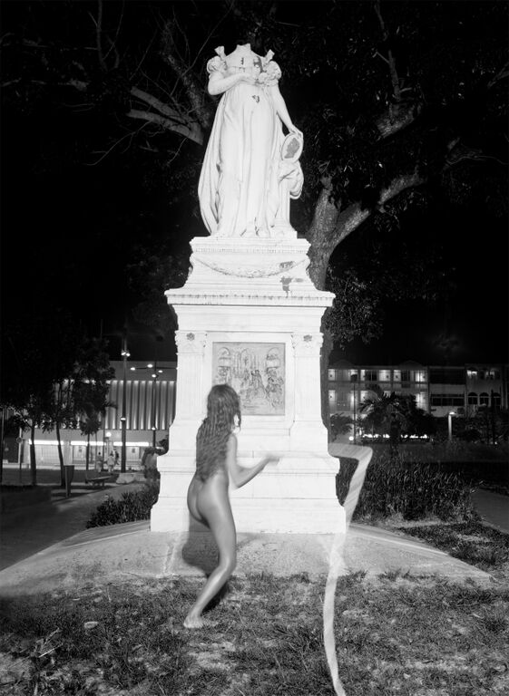 Sarah Trouche, Flogging Joséphine, Fort-de-France (Martinique), 2012.
