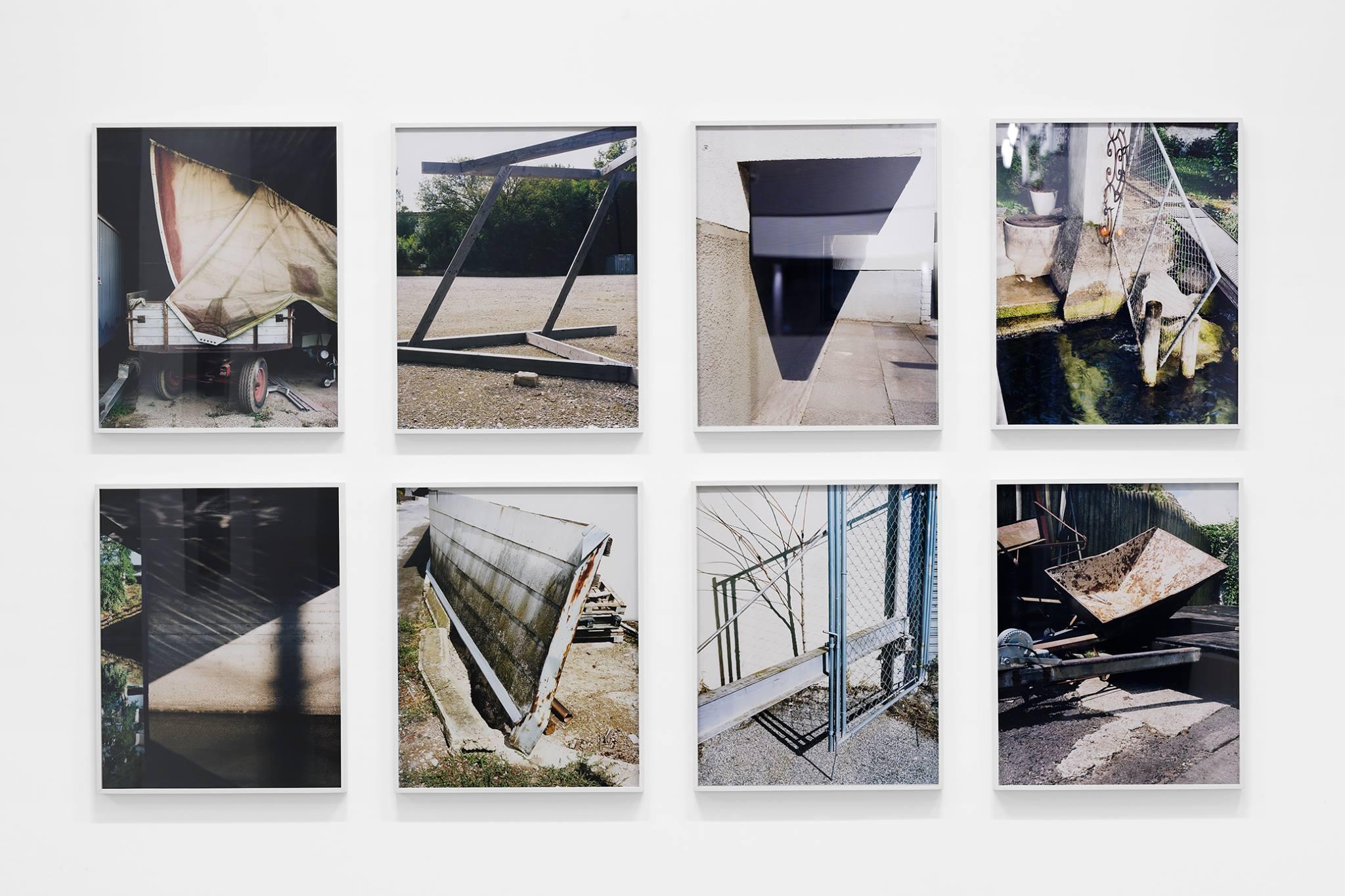 """Lukas Hoffmann, série (K) Vue de l'exposition """"Staring at the scenery""""- tirages argentiques couleur, 49,5 x 39,5 cm chaque. Série réalisée entre 2013 et 2016 édition de 5 + 2 EA"""
