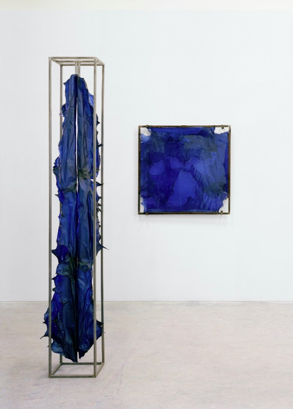 Amandine Guruceaga, So Wet Blue, 2017, Transparent leather, steel, 265 x 39 x 39 cm Phyllo Navy, 2017, Transparent leather, steel, resin, 118 x 113 x 3 cm. Photo credits: Alexandre Guirkinger