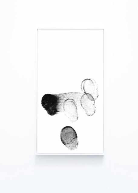 Evan Roth, Unlock #2, 2016. Tirage Lambda collé sur Dibond et sous verre acrylique, cadre de l'artiste 184 x 110 x 9 cm. Courtesy de l'artiste.