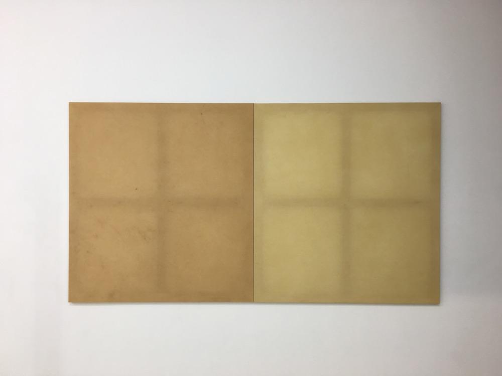 Olivier Kosta-Théfaine, Neuilly-Sarcelles(2017). Diptyque monochrome. Courtesy artiste et Galerie Rabouan Moussion.
