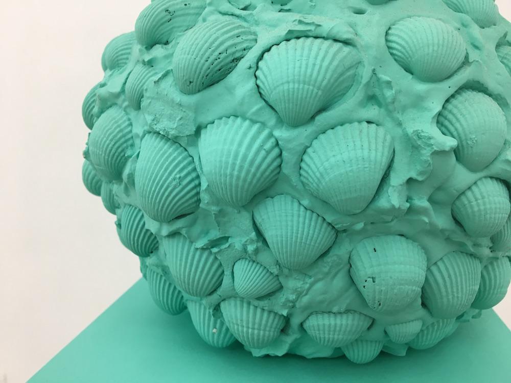 Olivier Kosta-Théfaine, Petits monuments(détail), 2017. Courtesy artiste et Galerie Rabouan Moussion.