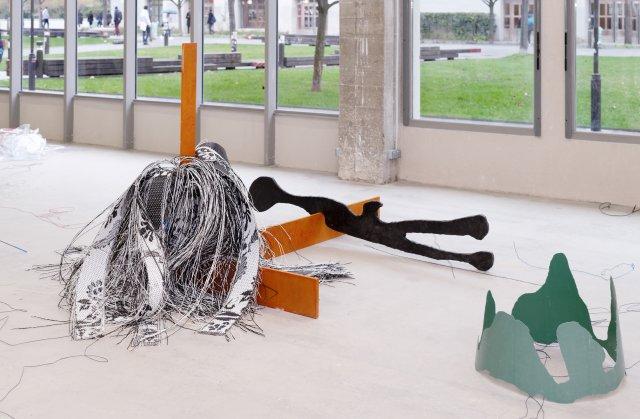 Vue de l'exposition de Julien Creuzet La pluie a rendu cela possible à Bétonsalon - Centre d'art et de recherche, Paris, 2018. Image © Aurélien Mole.