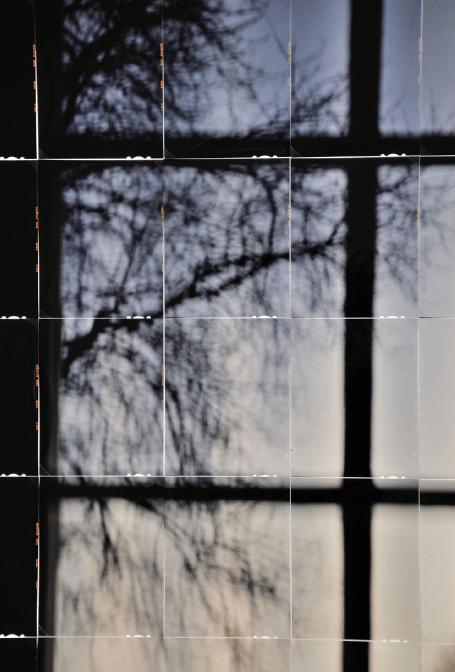 Jonas Delhaye, Détail Étant donnée, chambre n°3, 2017 Diapositives 4x5 inch, verre dépoli, bois, led, 60x90 cm