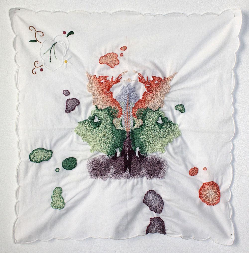 Céline Tuloup, Les restes (planche N¯9), broderie sur serviette, 30cm x30cm