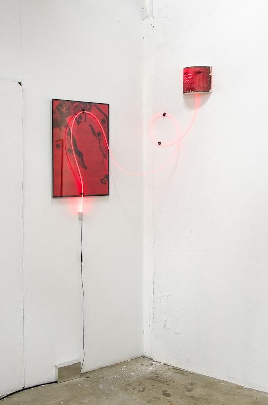 Jonathan Vidal, Programmed for love (music theme) - Tirage jet d'encre, fibre optique, impression sur tissu, bois 2018