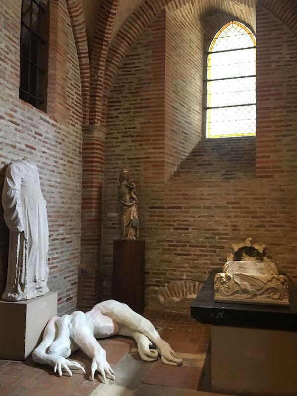 Paul Rigaud & Eléonore Verger, Baby. Vue de l'exposition Pièce montée des étudiants de l'isdaT beaux-arts, Toulouse. Musée des Augsutins