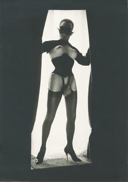 Pierre Molinier, Le Chaman, 1968. Chaman et ses créatures tirage argentique d'époque, 17,4x12cm. Courtesy Galerie Christophe Gaillard