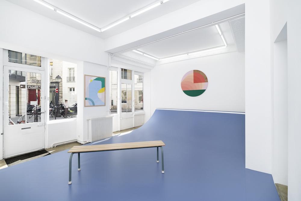 Vue de l'exposition de Valentin Guillon, Les trois pistes, Florence Loewy, Paris © Aurélien Mole
