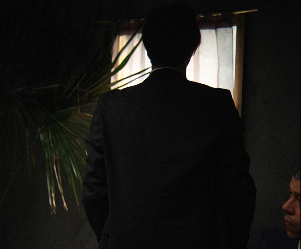 Neïl Beloufa, Dominations du monde, 2012. 27' 34'', Vidéo HD, couleurs et son, sous-titres français Courtesy de l'artiste