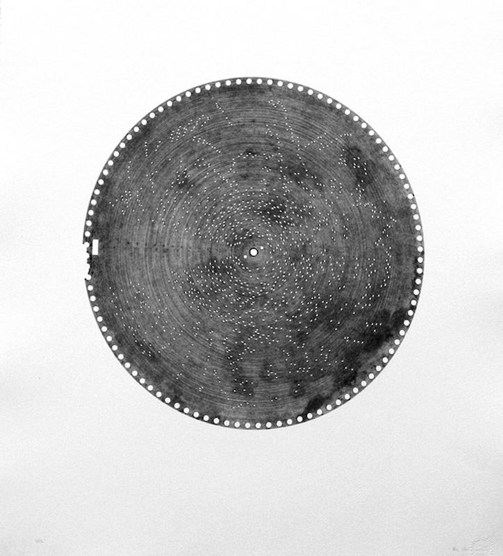 Rainier Lericolais, «Estudiantina», estampage, vélin d'Arches, 66 x 60,5 cm, 2017. Courtesy URDLA