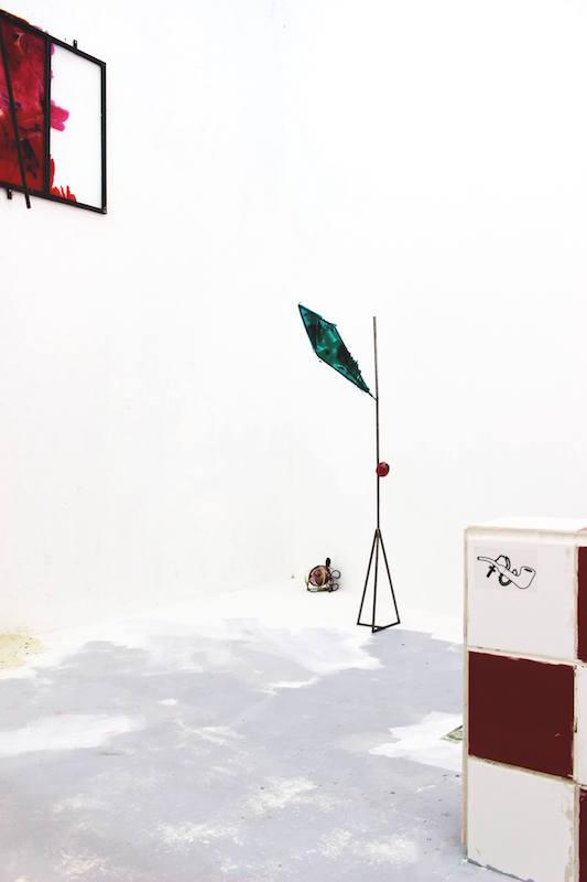 Romain Vicari, Zé Pelintra, vue d'exposition. Photo Mutatio.