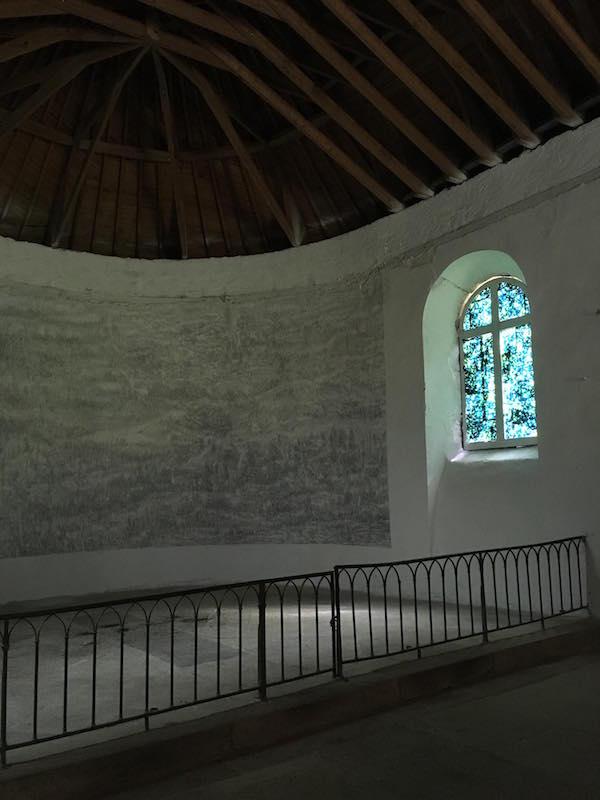 Marc Couturier, détail de Dessin du troisième jour, chapelle du Domaine de Kerguéhennec, 2018 © Ida Simon