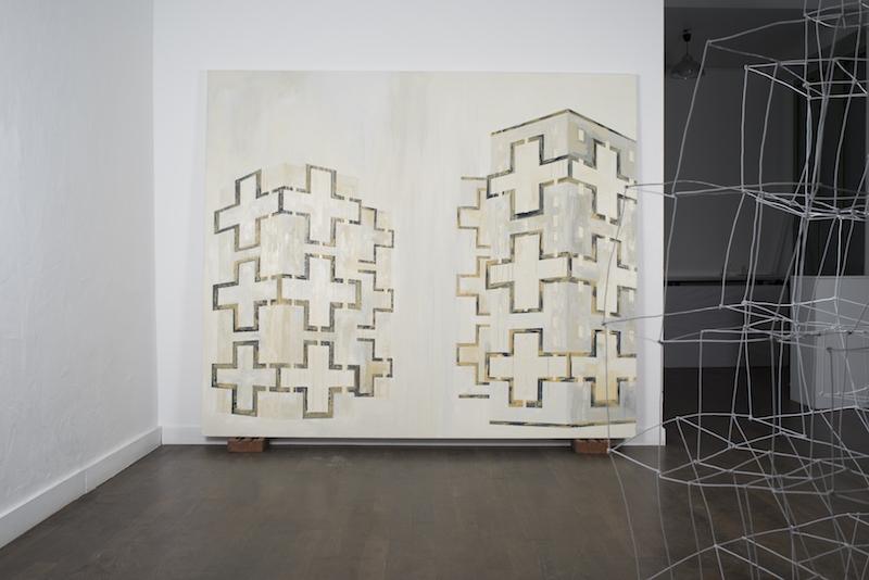vue de l'exposition Architectures réemployées réinventées - Galerie Au Medicis Paris. PhotoAdrien Thibault