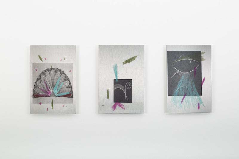 Félicia Atkinson, Audio Book 3, 4 et 5, 2018, impression sur alluminium, 20 x 30 cm. Photo © Margot Montigy