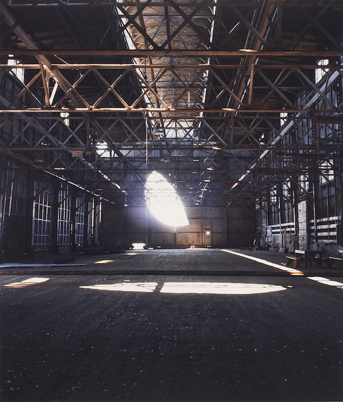 Day's End (Pier 52) (1975), Gordon Matta-Clark. Courtesy The Estate of Gordon Matta-Clark et David Zwirner, New York / Londres / Hong Kong. © 2018 The Estate of Gordon Matta-Clark