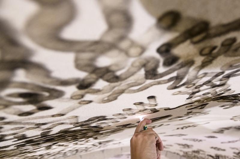 Olivier Kosta-Théfaine Contempler le ciel, 2018 Flamme de briquet sur plafond, noir de fumée Photo : Frédéric Laurès