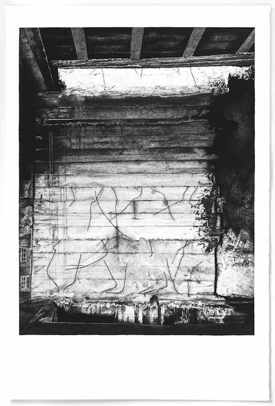 Architectures Inachevées # 13 - l'Hôtel - Marrakech - 2017 Pierre noire sur papier Hahnemühle « Bambou » 265g, 187 x 125 cm Courtesy Fondation Montresso*