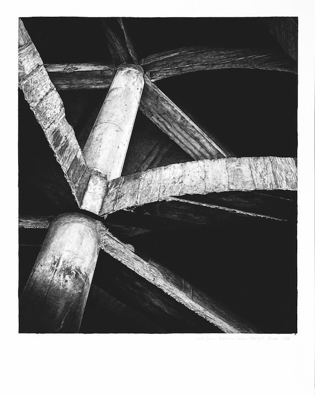Architectures Inachevées # 17 - l'Hôtel - Marrakech - 2018 Pierre noire sur papier Hahnemühle « Bambou » 265g, 125 x 99,5 cm. Courtesy Fondation Montresso*