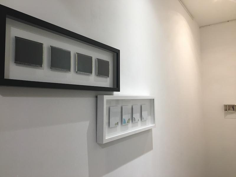 """Sandrine Elberg, Aurora Borealis 2016 et Landscape, 2012. Vue d'exposition """"Instantanée"""" du 02 au 17 novembre 2018, Galerie de la Voûte Paris. Photo Point contemporain"""