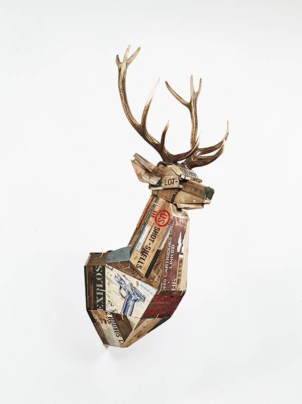Dimitri Tsykalov, MASSACRE IV, 2015. Wooden ammunition boxes, targets, antlers, 140 x 60 x 63 cm. Collection particulière