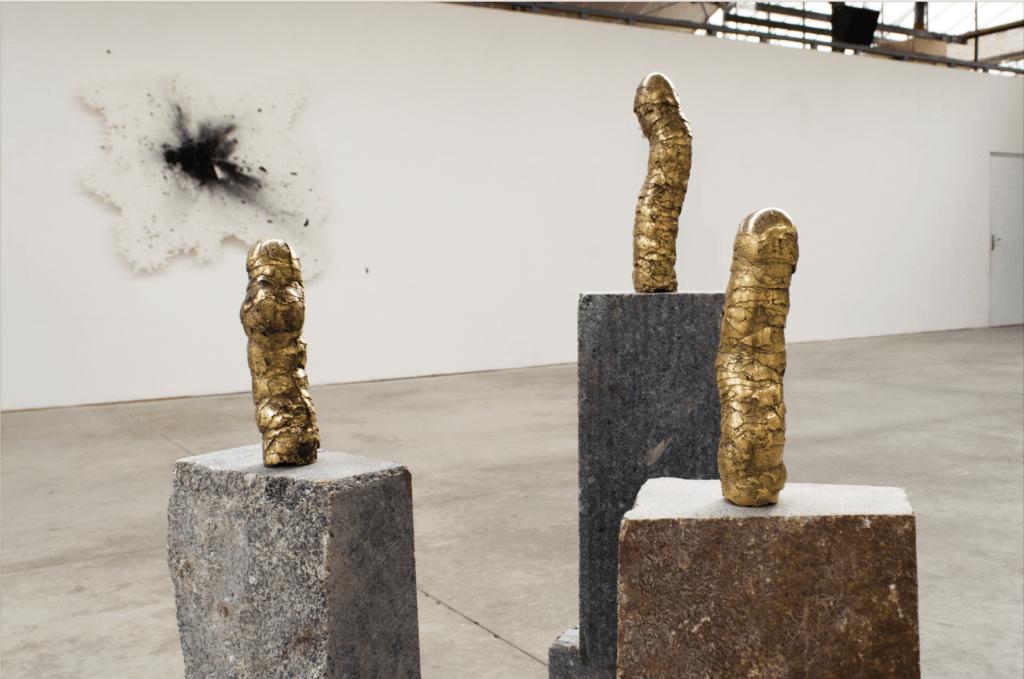 Hugo Bel, Images éphémères #2, bronze, 26x5x5 cm en moyenne, 2018. Résidence 56 Usine Utopik. Courtesy artiste