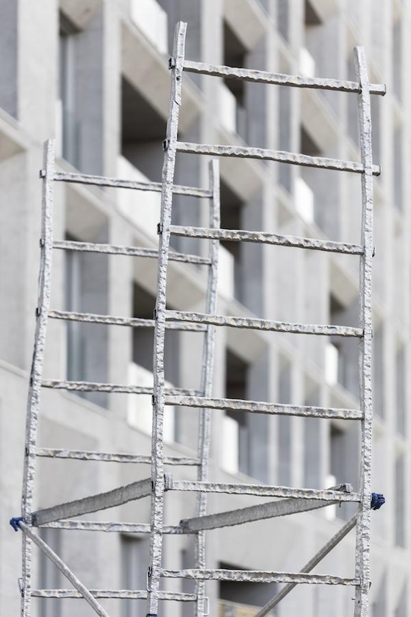 Benoit Travers Ebrèchement échafaudage, 2018, aluminium, plastique, détail © Photo Sylvain Bonniol