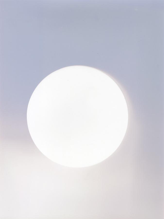 Marie Clerel, 17:58 – 08:47, 21 janvier 2019 (super Lune) #4, série Lunaisons, 2019, courtesy Galerie Binome quadriptyque de 4 pièces uniques – 4x 40 x 30 cm papiers argentiques non révélés, encadrement aluminium, verre antireflet