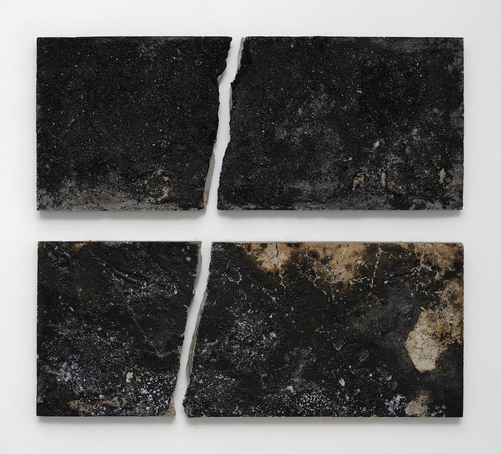 Florian Pugnaire & David Raffini - Scale - 2019 - ciment, asphalte, goudron - 99 x 106 cm - Courtesy Ceysson & Bénétière