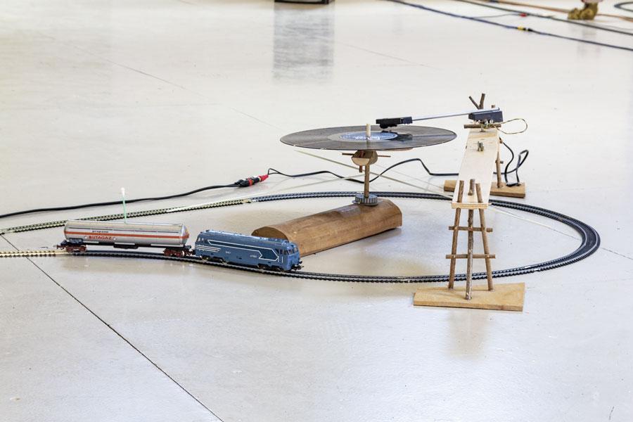 Exposition VEOACRF/TERETXIN de Laurent Tixador aux Ateliers Vortex Dijon - Photo Cécilia Philippe - Les Ateliers Vortex