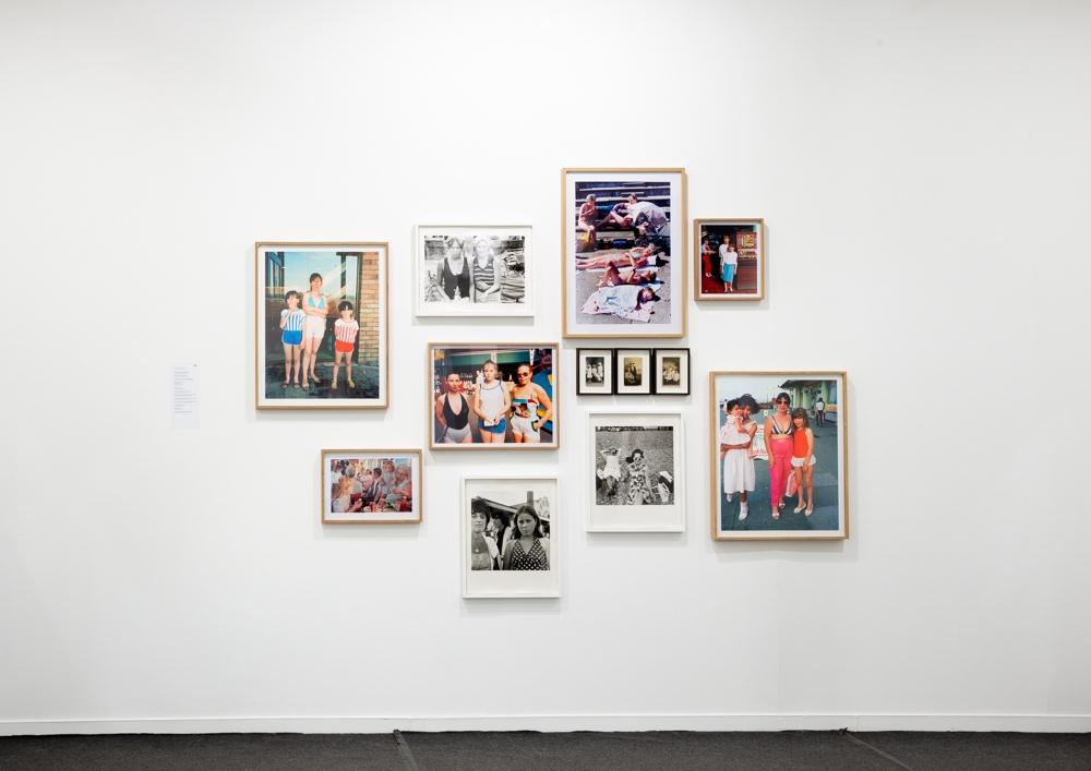 Exposition Tom Wood. Mères, filles, sœurs curatée par Martha Kirszenbaum Rencontres de la photographie Arles 2019 photo Remy Tartanac